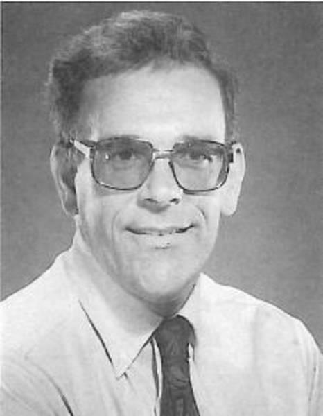 Der FSK ehrt Professor Dr. Carl B. Meyer für seine Veröffentlichung über UF-Schaumkunststoffe