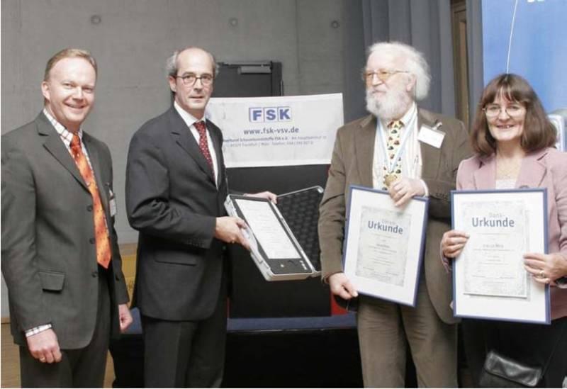 Seltene FSK Ehrenmedaille an David Reed verliehen