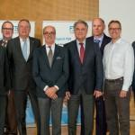 FSK-Vorstand v.l. Dr. Ulrich Fehrenbacher (RÜHL PUROMER GmbH), Jens-Jürgen Härtel (Volkswagen AG), Manfred Werner (Sekisui Alveo GmbH), Albrecht Manderscheid (Cannon Deutschland GmbH), Dr. Dirk Endres-Hein (F.S. Fehrer Automotive GmbH), Jörg Teschner (Klöckner polyPUR Chemie GmbH), Jens Geschke (Covestro Oldenburg GmbH & Co. KG) und Rüdiger Simon (sitola GmbH & Co. KG).